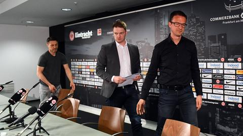 Niko Kovac und Fredi Bobic auf der Pressekonferenz