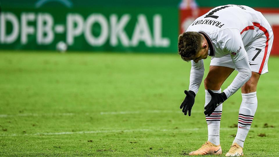 Raus ohne Applaus: Die Frankfurter Eintracht ist aus dem DFB-Pokal ausgeschieden.