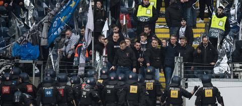 Polizei-Einsatz beim Eintracht-Spiel gegen Donezk