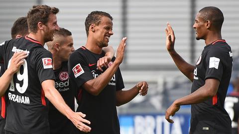 Sebastien Haller jubelt mit seinen neuen Mitspielern