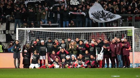Die Eintracht feiert den Sieg gegen Mainz