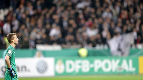 Eintracht-Keeper Hradecky im Pokalspiel gegen Ingolstadt