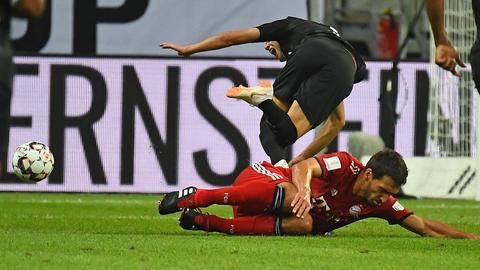 Hummels foult Gacinovic