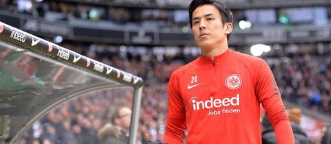 Makoto Hasebe auf dem Weg zur Ersatzbank
