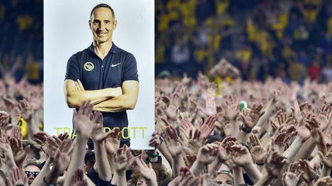Ein Plakat von Eintracht-Trainer Adi Hütter