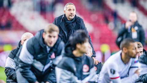 Adi Hütter und Spieler von Eintracht Frankfurt