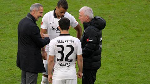 Hütter mit Younes und Chandler von Eintracht Frankfurt