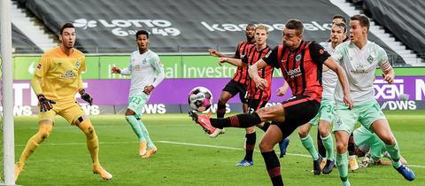 Szene aus dem Eintracht-Spiel gegen Bremen