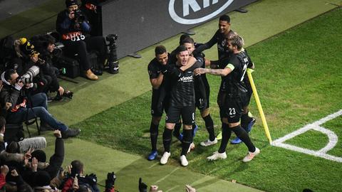 Luka Jovic bejubelt seinen Führungstreffer
