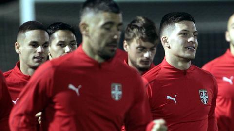 Jovic und Gacinovic beim Training der Serben