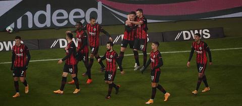Jovic jubelt beim Sieg gegen Schalke