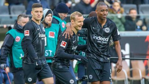 Jovic, Rode und Fernandes jubeln