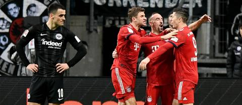 Filip Kostic im Spiel gegen den FC Bayern