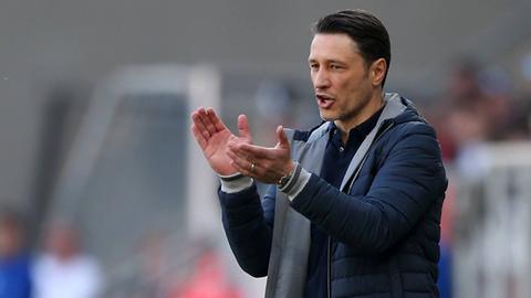 Niko Kovac applaudiert.