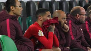Omar Mascarell sitzt verletzt auf der Ersatzbank