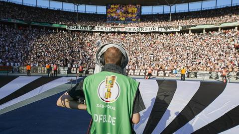 Die Eintracht-Fankurve beim Pokalfinale 2017