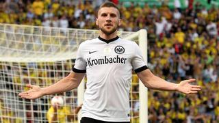 Ante Rebic bejubelt seinen Treffer im Pokalfinale