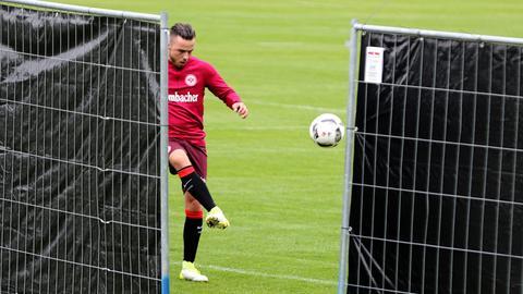 Yanni Regäsel beim Eintracht-Training