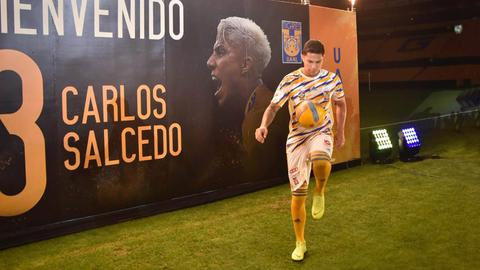 Carlos Salcedo bei seiner Vorstellung
