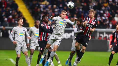 Szene aus dem Hinspiel zwischen Eintracht und Hertha