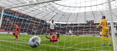 Gegentor für die Eintracht in Leverkusen