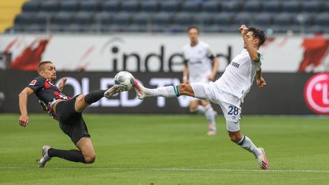Szene aus dem SGE-Spiel gegen Schalke