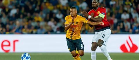 Djibril Sow in der Champions League gegen Paul Pogba