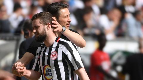 Niko Kovac tröstet Marc Stendera