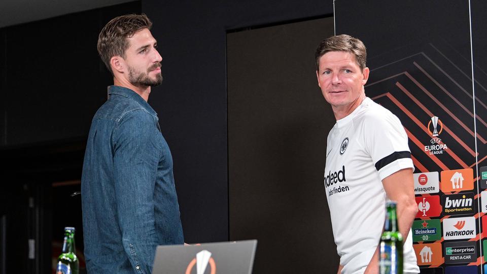 Kevin Trapp (li.) und Trainer Oliver Glasner