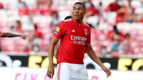 Carlos Vinicius im Einsatz für Benfica Lissabon.