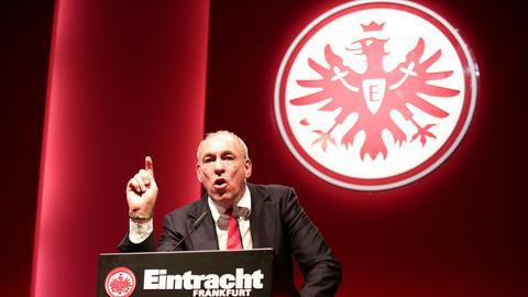 Peter Fischer bei der Jahreshauptversammlung der Eintracht