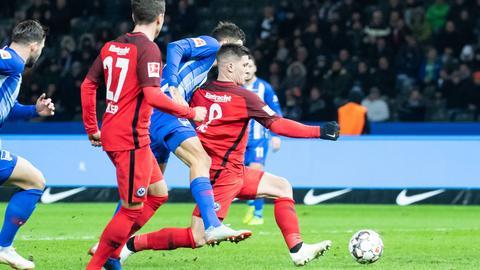"""""""Ich habe ihn nicht berührt."""" Herthas Grujic hat eine klare Sicht zur Szene des Spiels zwischen Berlin und Frankfurt."""