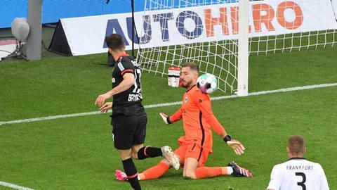 Kevin Trapp gegen Leverkusen
