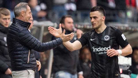 Adi Hütter und Filip Kostic von Eintracht Frankfurt.