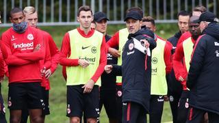 Kovac leitet die Eintracht beim Training