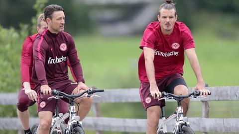 Niko Kovac und Alex Meier auf dem Rad