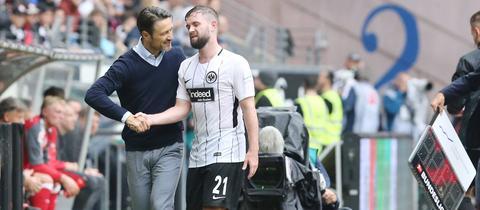 Niko Kovac hat Marc Stendera im Test zum Kapitän ernannt.