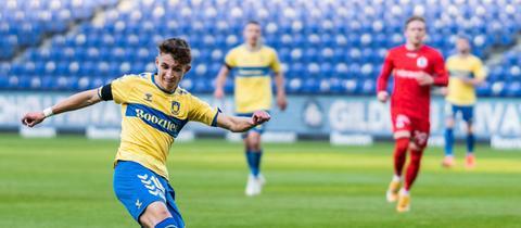 Jesper Lindström geht ab sofort für Eintracht Frankfurt auf Torejagd.