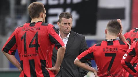"""Da war er noch kein """"Fußballgott"""": Alex Meier geknickt mit Ex-Trainer Michael Skibbe."""