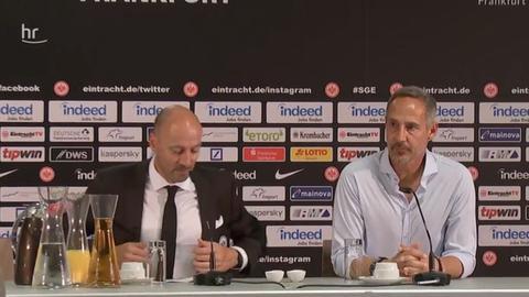 Adi Hütter auf der Pressekonferenz