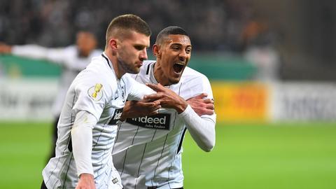 Eintrachts Haller und Rebic jubeln gegen Mainz