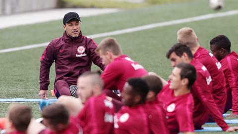 Kovac spricht im Trainingslager zur Mannschaft