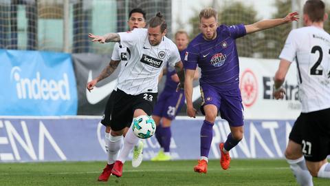 Die Eintracht (hier mi Marco Russ) holte sich im Trainingslager Selbstvertrauen beim 3:1 im Test gegen Aue.