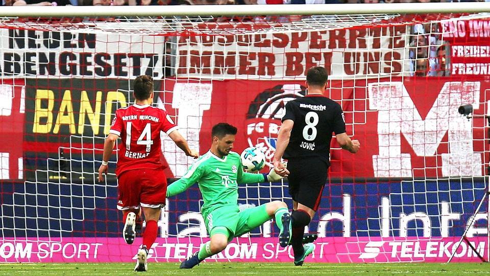Wäre, wäre, Fahrradkette: Hätte Luka Jovic diese Chance genutzt, wäre in München sicher etwas für die Eintracht drin gewesen.