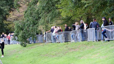 Fans von Eintracht Frankfurt beim Training