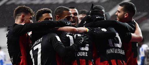 Die Spieler von Eintracht Frankfurt beim Jubel