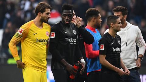 Wirklich zufrieden konnten Kevin Trapp (li.) und Danny da Costa nach dem Spiel gegen Gladbach nicht sein.