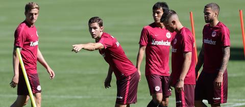 Branimir Hrgota im Training von Eintracht Frankfurt