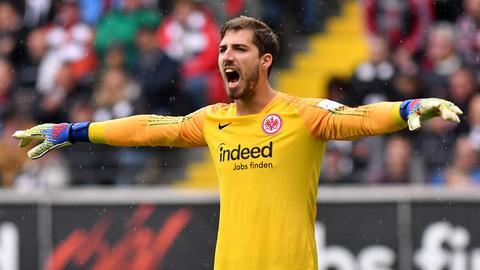 Eintracht-Torhüter Kevin Trapp legt nach dem Remis gegen Hertha BSC den Finger in die Wunde.