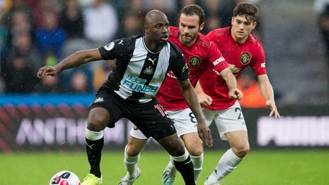 Jetro Willems im Spiel von Newcastle gegen Manchester United